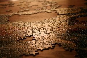 puzzle-pieces-table-445282-l